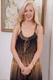 Emily Kaye - Babes 3e58vnkdr5k.jpg