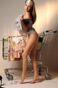 http://img277.imagevenue.com/loc365/th_999926165_tduid300163_MetArt_Entita_Alyssa_A_high_0065_123_365lo.jpg