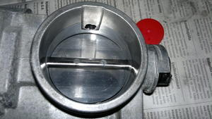 Kaasuläppäkotelon puhdistus renault