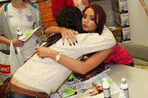 Эми Чайлдс, фото 306. Amy Childs promotes her Tanning Collection at Tesco Extra, 28.4.2012, foto 306