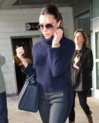 Victoria Beckham arrives in NYC after a trip to London 14-11-2010