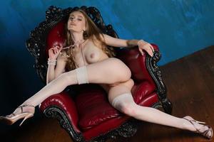 http://img277.imagevenue.com/loc485/th_543088215_tduid300163_Stunning_Queen_Rebecca_G_high_0087_123_485lo.jpg