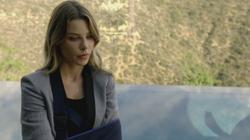 th_750900233_scnet_lucifer1x02_1411_122_